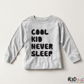 Áo thun tay dài in Cool Kid Never Sleep đậm (4 màu)