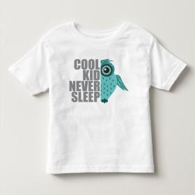 TNE6801 Áo thun trẻ em tay ngắn in chữ Cool kid never sleep (Trắng)