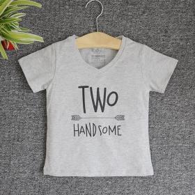 TNE7203 -  Áo thun cổ tròn tay ngắn in chữ Two Handsome ( Màu xám)