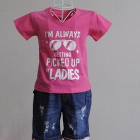 KST108 - KidSet Áo thun cổ tim màu hồng sen in chữ và quần Jean short lưng bo