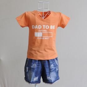 KST806 - Kidset áo thun cổ tim màu cà rốt nhạt in chữ Dad to be load và quần jean short lưng thun
