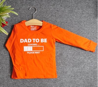 TDE7304 - Áo thun trẻ em cổ tròn tay dài in chữ Dad to be (Đỏ đậm)