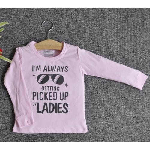 TDE7004 - Áo thun trẻ em cổ tròn tay dài in chữ I'm Always Getting Picked Up By Ladies (Đỏ đậm)